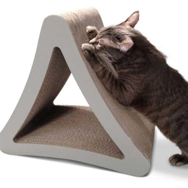 griffoir-design-triangulaire-chat
